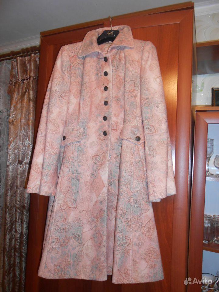 Пальто нежно-розового цвета. Шикарное пальто в Энгельсе.