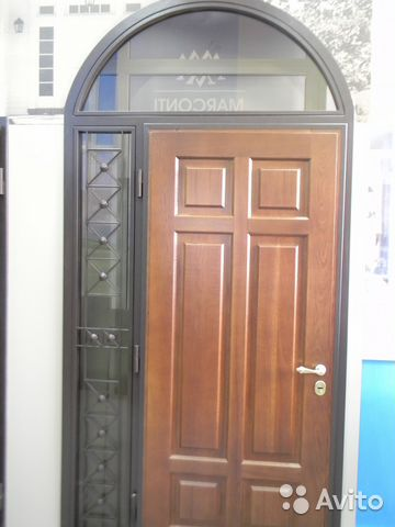 купить входную дверь с установкой в коттедж
