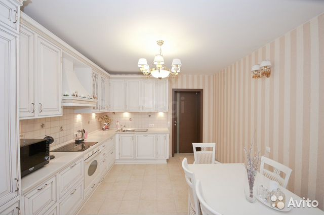 Продается трехкомнатная квартира за 9 800 000 рублей. Ивана Кайдалова набережная, 30.