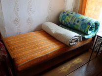 Кровать с двумя матрасами